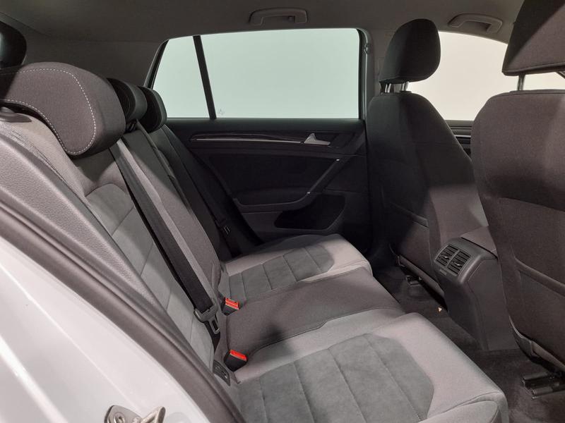 Volkswagen 5p 1.5 tsi Executive 130cv dsg